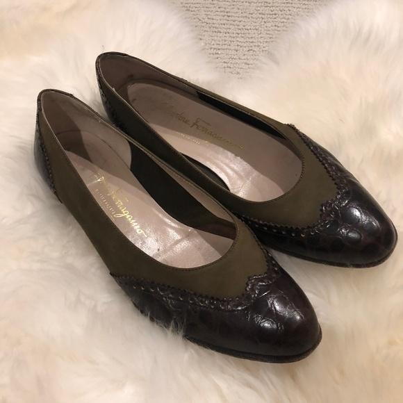Salvatore Ferragamo Schuhes     Vintage Grün Suede And Leder Flats ... 029b88